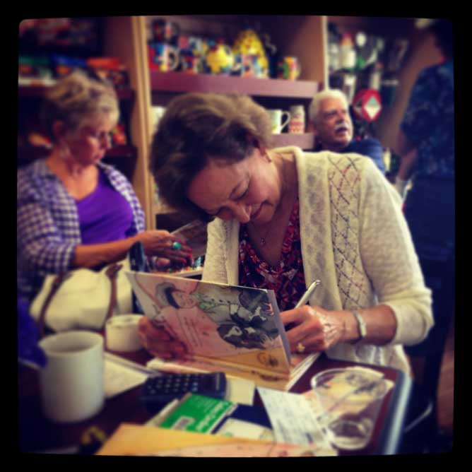 charlotte-havey-book-signing-2